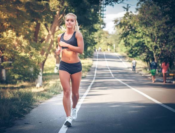 waarom-hardlopers-baat-hebben-bij-krachttraining-fitness-meiden-blog1